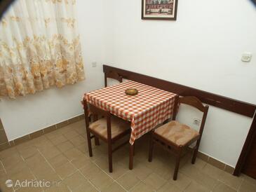 Preko, Dining room in the apartment, dopusteni kucni ljubimci.