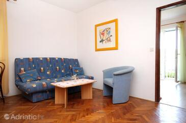 Molunat, Living room in the apartment, dostupna klima, dopusteni kucni ljubimci i WIFI.