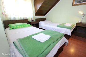 Dubrovnik, Bedroom in the room, air condition available, (pet friendly) and WiFi.