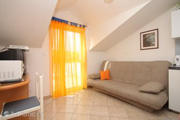 Cavtat, Living room in the studio-apartment, (pet friendly) and WiFi.