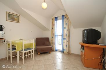 Cavtat, Dining room in the studio-apartment, dostupna klima, dopusteni kucni ljubimci i WIFI.