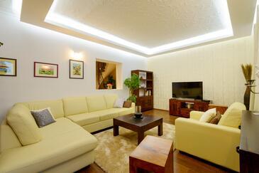 Soline, Obývací pokoj 1 v ubytování typu house, WiFi.