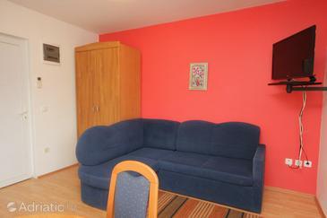Povljana, Living room in the studio-apartment, WIFI.