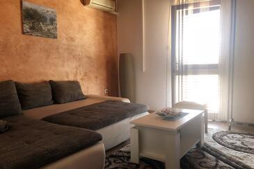 Mandre, Obývací pokoj v ubytování typu apartment, s klimatizací a WiFi.