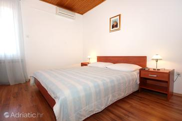 Mandre, Bedroom in the room, air condition available and WiFi.
