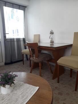 Biograd na Moru, Dining room in the apartment, WIFI.