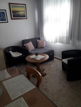 Biograd na Moru, Obývacia izba v ubytovacej jednotke apartment, WiFi.