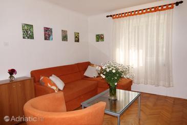 Mali Lošinj, Living room in the apartment, dostupna klima i dopusteni kucni ljubimci.