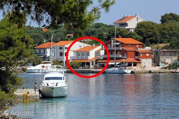 Božava, Dugi otok, Property 392 - Rooms by the sea.