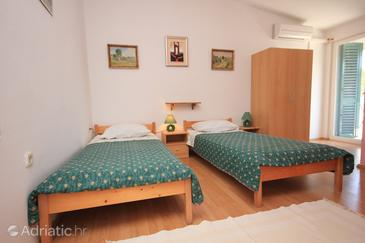Zaglav, Bedroom in the room, air condition available, (pet friendly) and WiFi.