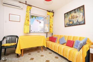 Hvar, Living room in the apartment, dostupna klima i WIFI.