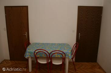 Jelsa, Dining room in the apartment.