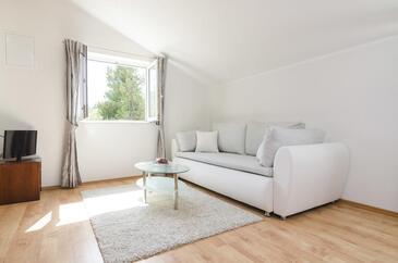 Saplunara, Obývací pokoj v ubytování typu room, dostupna klima i WIFI.