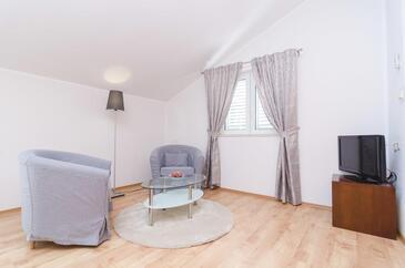Saplunara, Obývací pokoj v ubytování typu room, s klimatizací a WiFi.