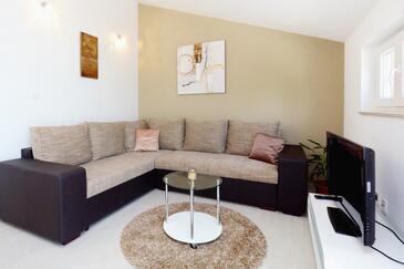 Mudri Dolac, Living room in the apartment, dostupna klima, dopusteni kucni ljubimci i WIFI.