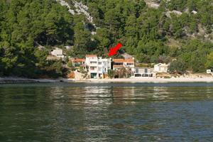 Seaside secluded apartments Baai Smokvina, Hvar - 4036