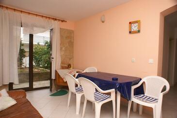 Jelsa, Jedáleň v ubytovacej jednotke apartment, dostupna klima, dopusteni kucni ljubimci i WIFI.