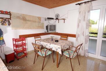 Mudri Dolac, Sala da pranzo nell'alloggi del tipo apartment, animali domestici ammessi e WiFi.