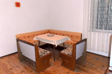 Vrisnik, Jídelna v ubytování typu apartment, domácí mazlíčci povoleni a WiFi.