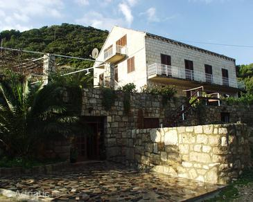 Kozarica, Mljet, Property 406 - Rooms near sea with pebble beach.