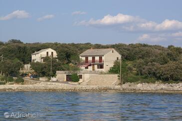 Mulobedanj, Pag, Объект 4061 - Комнаты вблизи моря с галечным пляжем.