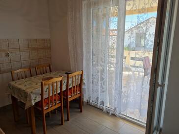 Lun, Salle à manger dans l'hébergement en type apartment, animaux acceptés et WiFi.