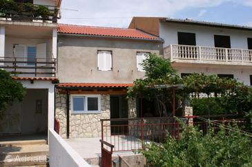 Zubovići, Pag, Property 4069 - Apartments near sea with pebble beach.