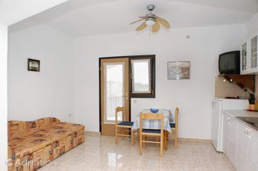 Potočnica, Jídelna v ubytování typu studio-apartment, s klimatizací a WiFi.