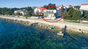 Novalja, Pag, Objekt 4074 - Ubytování v blízkosti moře s kamínkovou pláží.