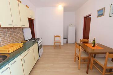 Kustići, Столовая в размещении типа apartment, WiFi.