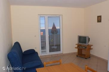 Kustići, Living room in the apartment, (pet friendly) and WiFi.