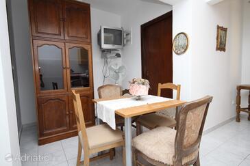 Stara Novalja, Jídelna v ubytování typu studio-apartment, WiFi.