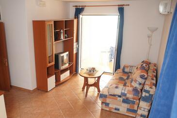 Mandre, Obývacia izba v ubytovacej jednotke apartment, dostupna klima, dopusteni kucni ljubimci i WIFI.