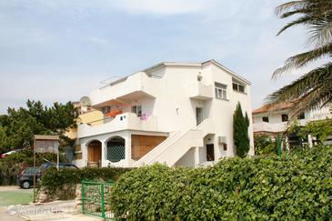 Mandre, Pag, Property 4093 - Apartments near sea with pebble beach.