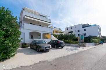 Mandre, Pag, Obiekt 4093 - Apartamenty przy morzu ze żwirową plażą.
