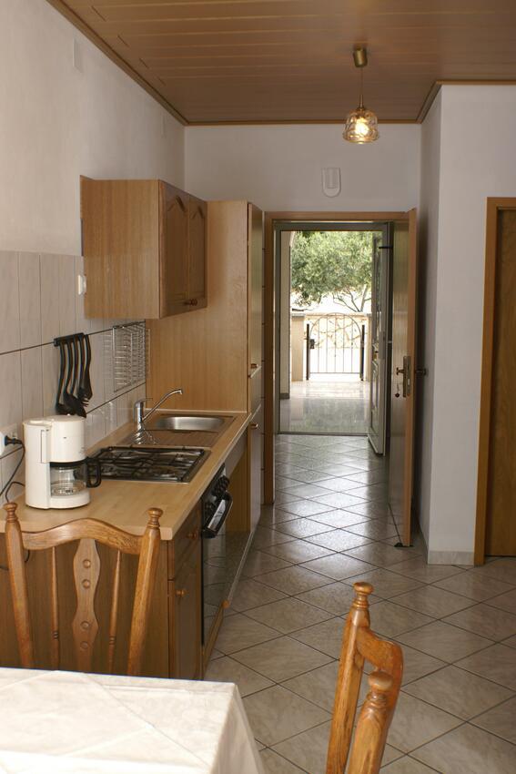 Ferienwohnung im Ort Mandre (Pag), Kapazität 4+0 (1013334), Mandre, Insel Pag, Kvarner, Kroatien, Bild 3