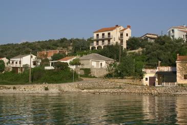 Jakišnica, Pag, Property 4100 - Apartments near sea with pebble beach.
