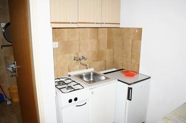 Mandre, Kitchen in the studio-apartment, dopusteni kucni ljubimci i WIFI.