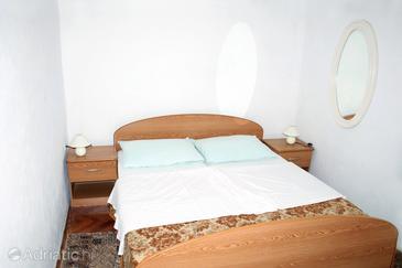 Stara Novalja, Bedroom in the room.