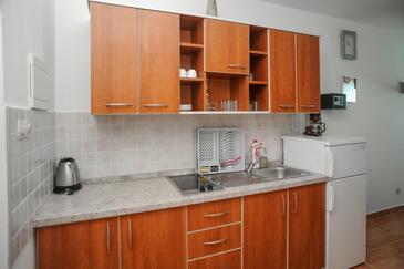 Caska, Kuchyně v ubytování typu studio-apartment, WiFi.