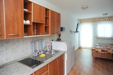 Caska, Kitchen in the studio-apartment, WIFI.