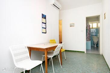 Stara Novalja, Jídelna v ubytování typu apartment, s klimatizací a domácí mazlíčci povoleni.