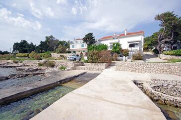 Košljun, Pag, Objekt 4111 - Ubytování v blízkosti moře s oblázkovou pláží.