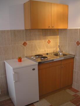 Mandre, Kitchen in the studio-apartment, dopusteni kucni ljubimci.