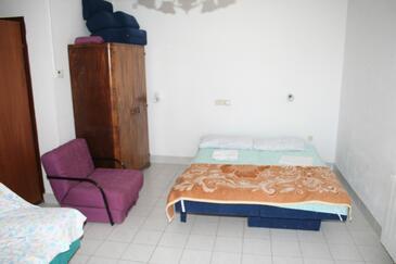 Stara Novalja, Obývací pokoj v ubytování typu apartment, dostupna klima i dopusteni kucni ljubimci.