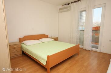 Zubovići, Bedroom in the room, dostupna klima.