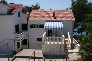 Stara Novalja, Pag, Property 4143 - Apartments by the sea.