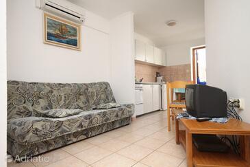 Novalja, Living room in the apartment, dostupna klima, dopusteni kucni ljubimci i WIFI.