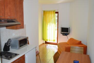 Jakišnica, Obývací pokoj v ubytování typu apartment, s klimatizací, domácí mazlíčci povoleni a WiFi.