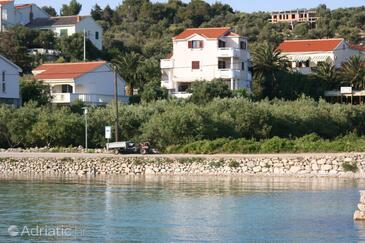 Jakišnica, Pag, Objekt 4160 - Ubytování v blízkosti moře s oblázkovou pláží.